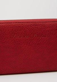 Fritzi aus Preußen - NICOLE SADDLE - Wallet - bright rusty red - 2