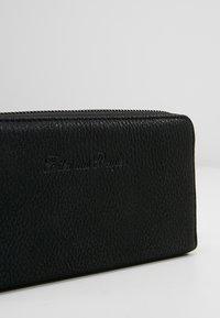 Fritzi aus Preußen - NICOLE CARIBOU - Wallet - black - 2
