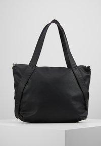 Fritzi aus Preußen - ALLA PIXLEY - Shoppingveske - black - 2