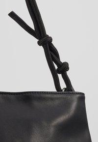 Fritzi aus Preußen - ELMA - Handtasche - black - 6