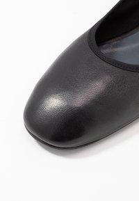 Filippa K - REY FLAT - Ballerinat - black - 2