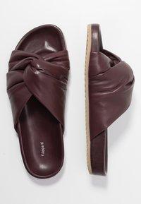 Filippa K - BREA  - Sandaler - burgundy - 3