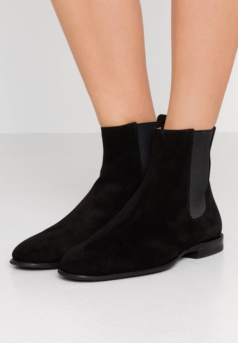 Filippa K - FALLON LOW CHELSEA BOOT - Bottines - black