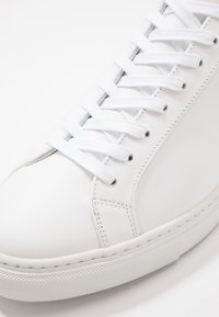 Filippa K - MORGAN - Baskets basses - white - 5