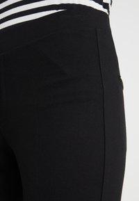 Filippa K - POE CROPPED PANT - Bukse - black - 4
