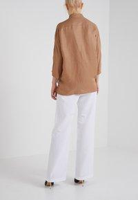 Filippa K - PHOEBE TROUSERS - Pantalon classique - white - 2