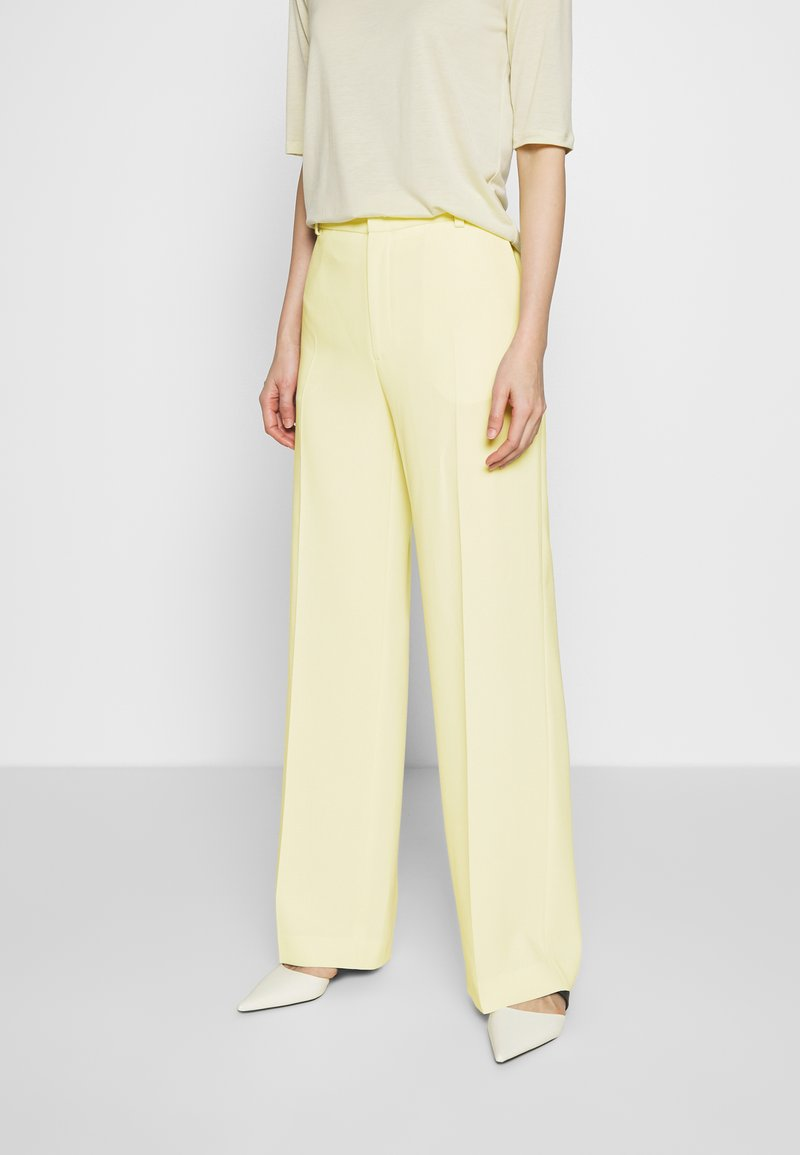 Filippa K - HUTTON TROUSERS - Trousers - faded yell