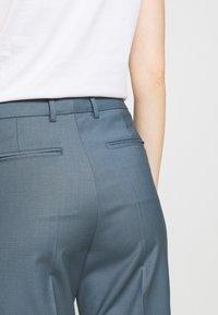 Filippa K - EMMA CROPPED COOL TROUSER - Trousers - blue grey - 4