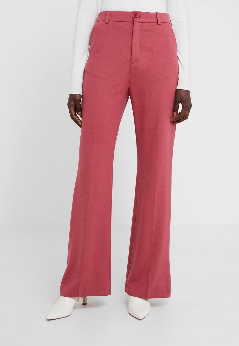 Filippa K - IVY TROUSER - Pantalones - raspberry