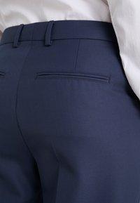 Filippa K - EMMA SUITING TROUSER - Kalhoty - indigo - 3