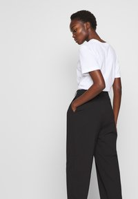 Filippa K - JULIE TROUSER - Pantaloni - black - 3