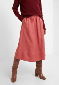 Filippa K - JULIET SKIRT - Spódnica trapezowa - pink cedar - 0