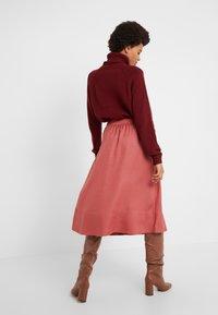 Filippa K - JULIET SKIRT - Spódnica trapezowa - pink cedar - 2