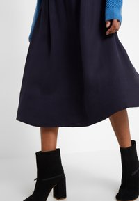 Filippa K - JULIET SKIRT - A-line skirt - deep blue - 4