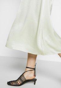 Filippa K - ANGELA SKIRT - A-line skirt - pale lime - 4