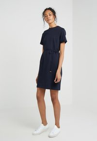 Filippa K - CREW NECK  DRESS - Žerzejové šaty - navy - 0
