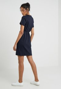 Filippa K - CREW NECK  DRESS - Žerzejové šaty - navy