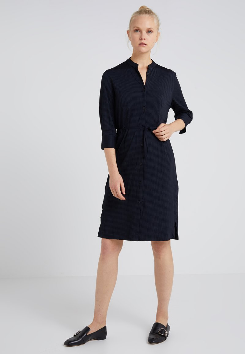 Filippa K - SEER SUCKER DRESS - Blusenkleid - navy