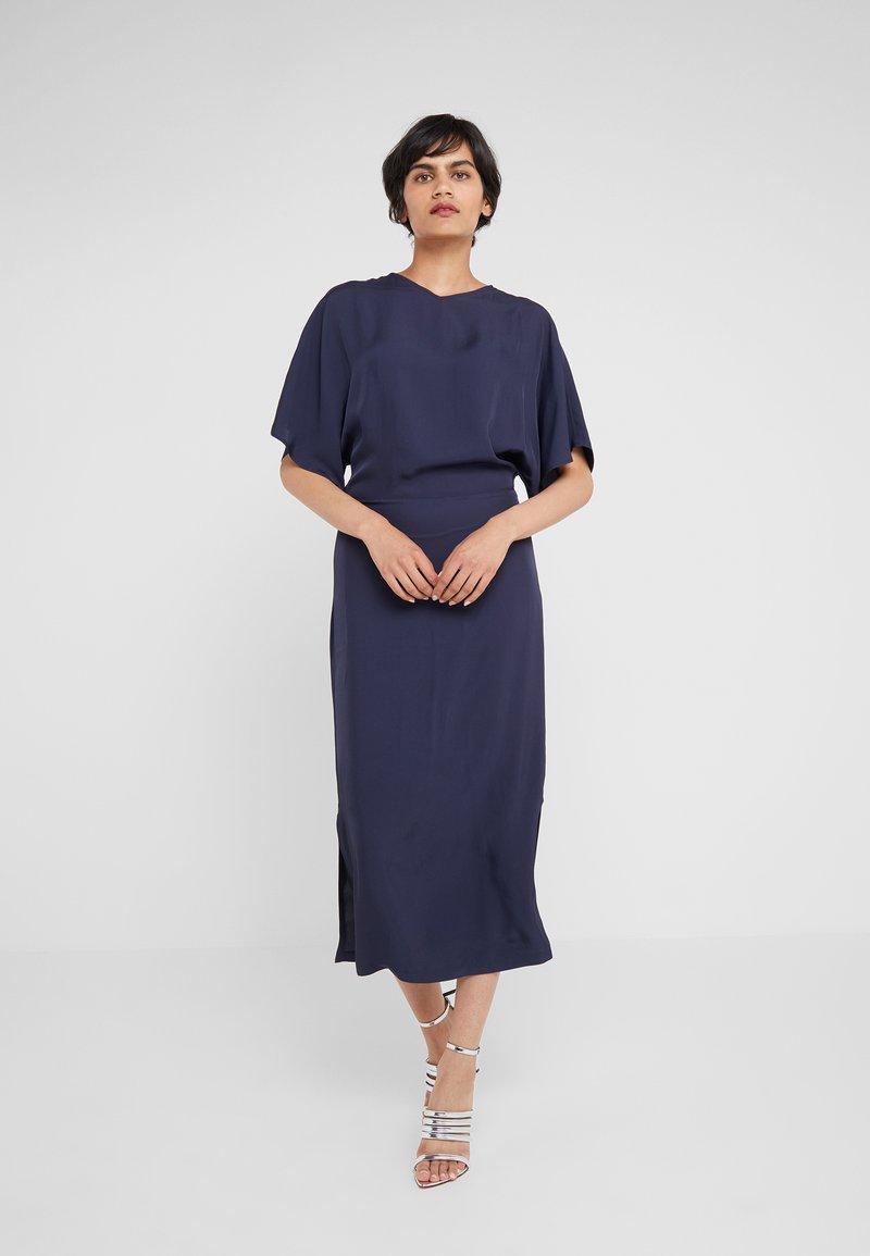 Filippa K - KIMONO SLEEVE DRESS - Maxikjole - moody blue