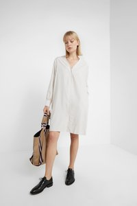 Filippa K - ISOBEL SHIRT DRESS - Shirt dress - ivory - 1