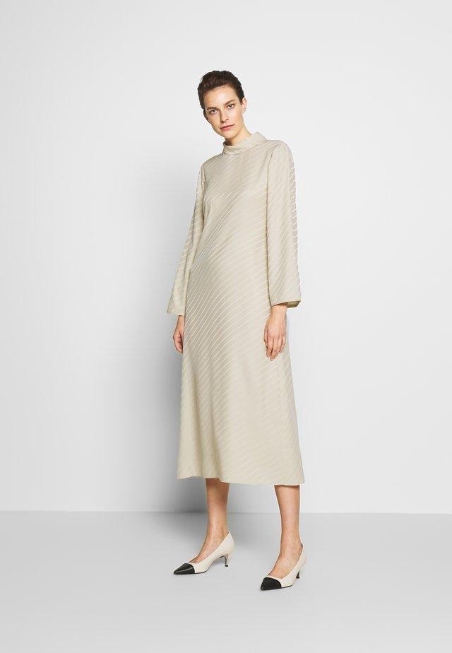 VANESSA  DRESS - Vestido informal - ecru