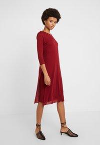 Filippa K - Gebreide jurk - pure red - 0