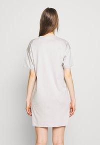 Filippa K - MADDIE DRESS - Jerseyjurk - sterling - 2
