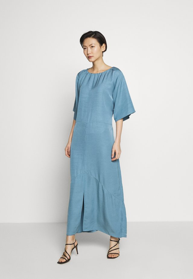 ELLA DRESS - Vestido largo - blue heaven
