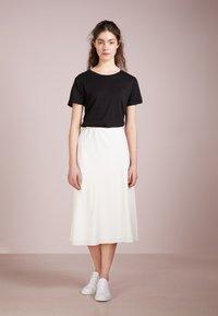 Filippa K - CREW NECK TEE - T-shirt basic - black - 1
