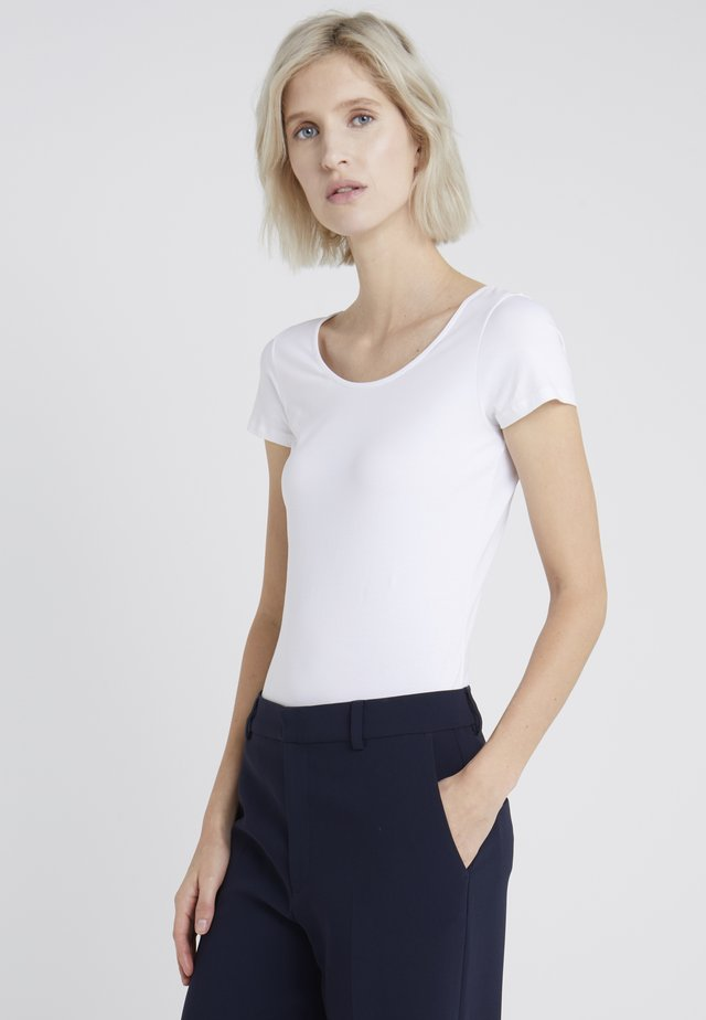 SCOOP NECK TOP - T-shirt - bas - white