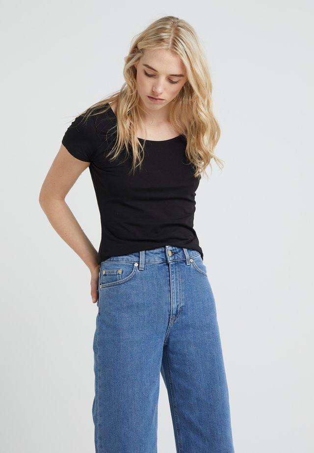SCOOP NECK TOP - T-shirt - bas - black