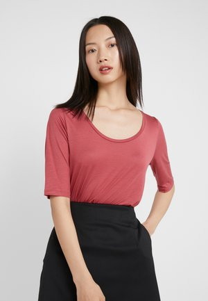 ELBOW SLEEVE - T-shirts - raspberry
