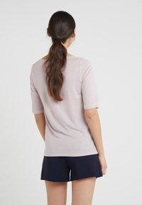 Filippa K - ELBOW SLEEVE - Basic T-shirt - frosty pin - 2