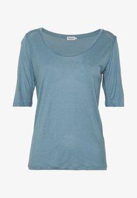 Filippa K - ELBOW SLEEVE - T-shirts - blue heave - 4