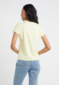 Filippa K - FLARED CAP SLEEVE - T-shirt basic - wax - 2