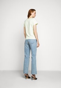 Filippa K - FLARED CAP SLEEVE - T-shirt basic - faded acid - 2