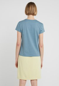 Filippa K - FLARED CAP SLEEVE - T-shirt basic - river - 2