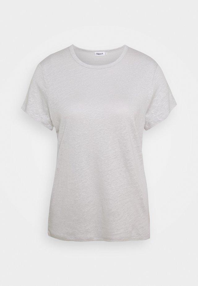 HAZEL TEE - Jednoduché triko - sterling