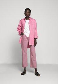 Filippa K - HAZEL TEE - T-shirt basic - faded pink - 1