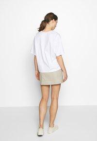 Filippa K - JANELLE TEE - Camiseta básica - white - 2