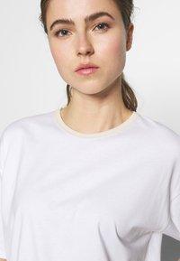 Filippa K - JANELLE TEE - Camiseta básica - white - 4