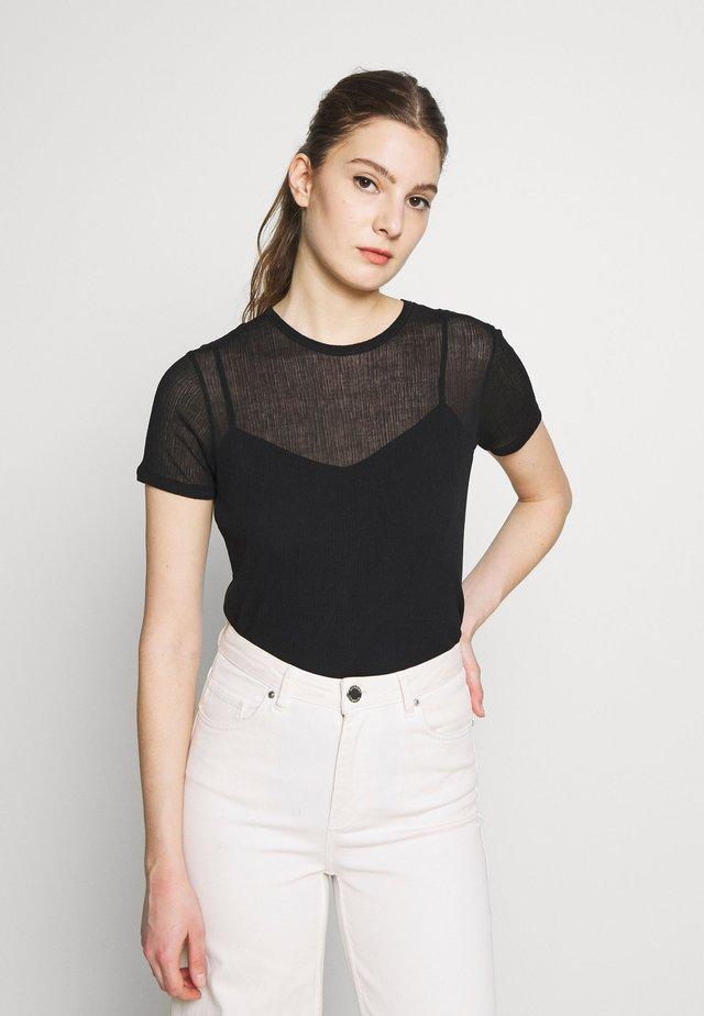 SHEER TEE - Jednoduché triko - black