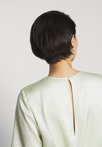 Filippa K - ANGELA TEE - Blusa - pale lime - 4