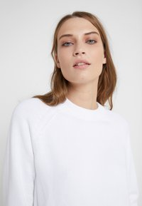 Filippa K - R-NECK - Jumper - white - 5