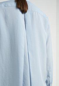 Filippa K - HIGH LOW - Button-down blouse - dusty blue - 5