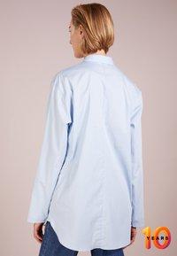 Filippa K - POPLIN SHIRT - Skjorte - light blue - 2