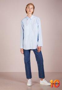 Filippa K - POPLIN SHIRT - Skjorte - light blue - 1