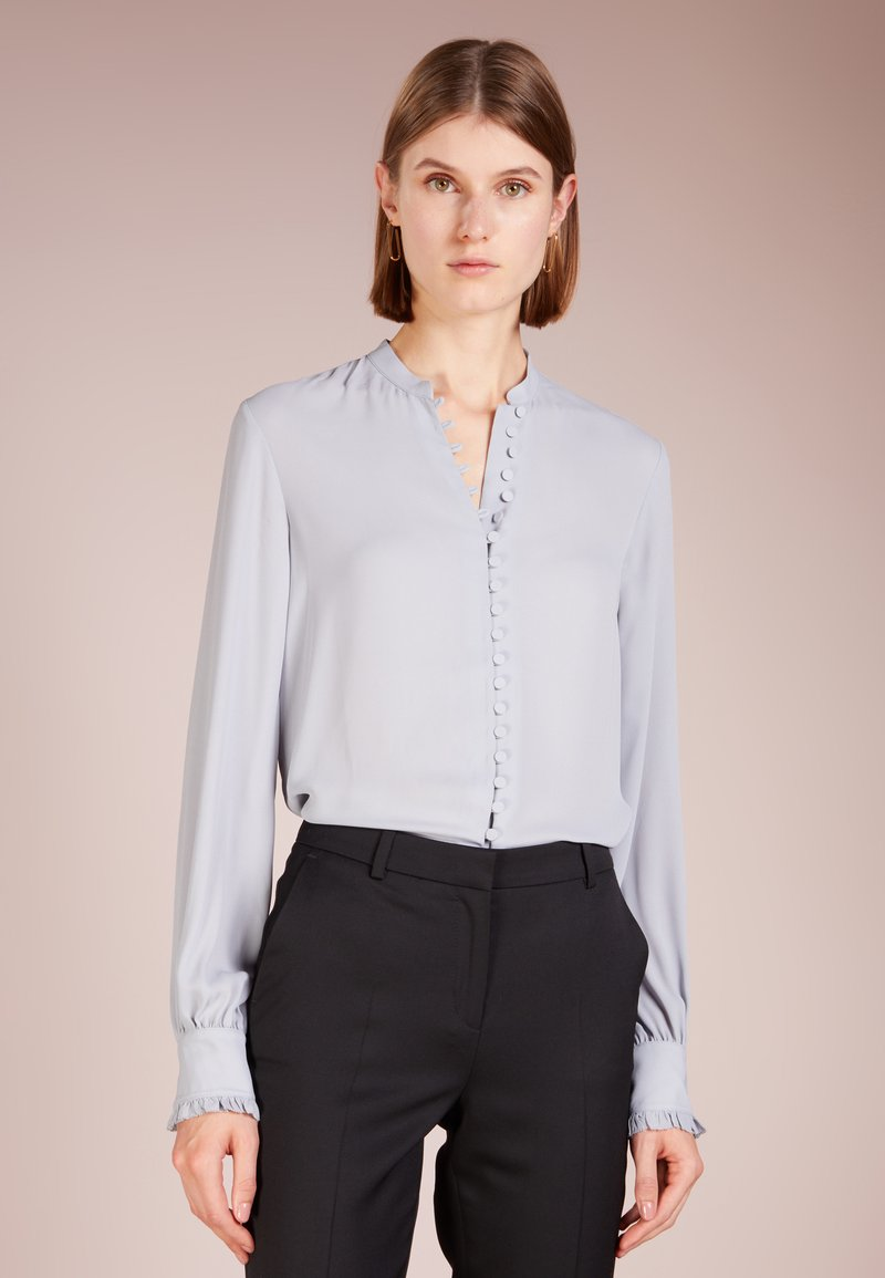 Filippa K - SHEER BUTTON BLOUSE - Hemdbluse - dove blue