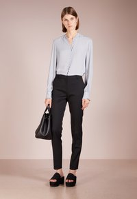 Filippa K - SHEER BUTTON BLOUSE - Overhemdblouse - dove blue - 1