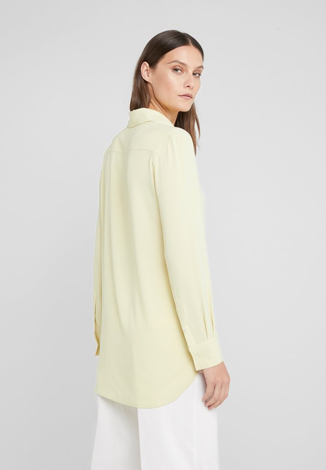 LONG CREPE SHIRT - Skjorta - wax